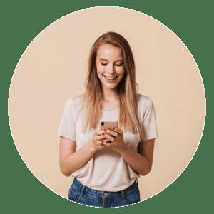 girl using social medai
